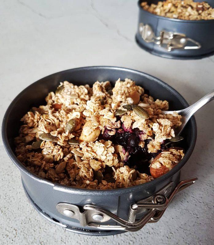 Gezonde blueberry crumble